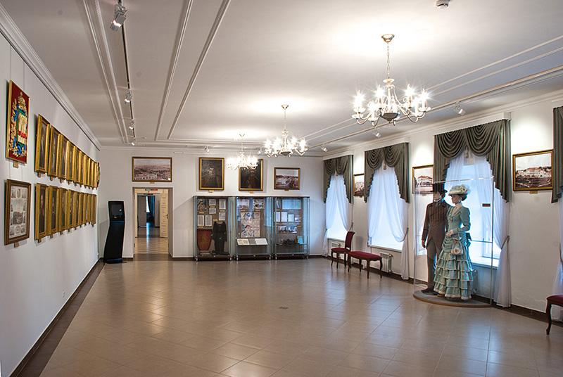 Значимые места: Вид экспозиции корпуса № 2 . Губернаторский дом