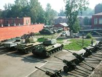 Значимые места: Двор боевой техники