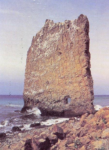 Значимые места: Скала Парус. Окрестности Дома-музея В.Г.Короленко. Хутор Джанхот
