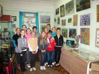 Группа школьников на экскурсии