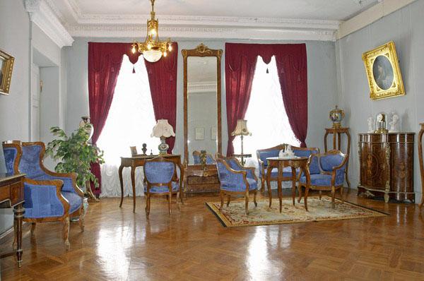 Значимые места: Елагиноостровский дворец-музей декоративно-прикладного искусства и интерьера XVIII-XXI вв.