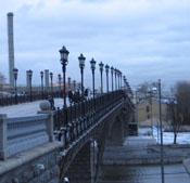 Пешеходный мост к Арт-стрелке