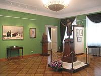 Один из залов выставки Живем мы памятью Лицея