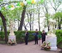 Статуи Сабинянок вернулись на аллеи Летнего сада