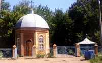 Часовня на старом кладбище в р. п. Алексеевское. Освящена 9 мая 1994 г.
