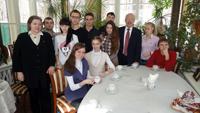 Студенты Менделеевского университета после экскурсии по музею