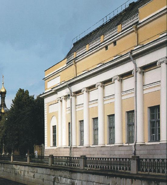 Здания и сооружения: Корпус Бенуа (филиал Русского музея)