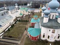 Внутреннее каре Тихвинского Богородицкого монастыря