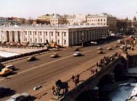 Внешний вид здания и окрестностей