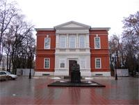 Здания и сооружения: Исторический корпус музея по ул. Радищева, 39