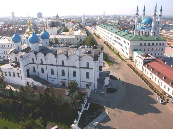 Здания и сооружения: Вид на Благовещенский собор и мечеть Кул Шариф