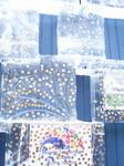 Так посетители Ледяного дворца украсили стену у входа