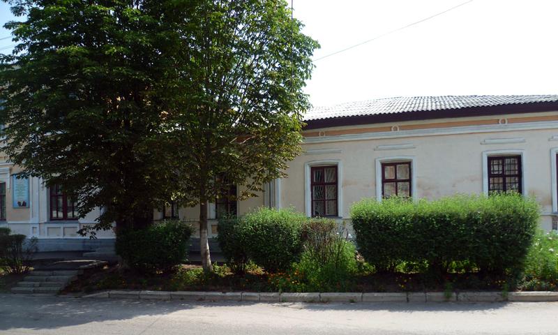 Здания и сооружения: Рыльский краеведческий музей