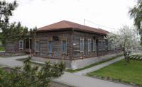 Школа, где учился и работал В.М. Шукшин (главное здание музея)