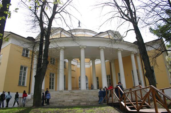 Здания и сооружения: Доступ к культурному наследию как неотъемлемое общечеловеческое право