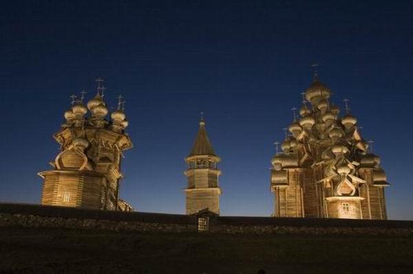 Здания и сооружения: Свет Кижских куполов