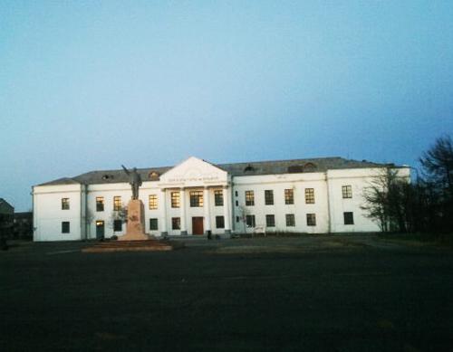 Здания и сооружения: Охотский краеведческий музей имени Е.Ф. Морокова