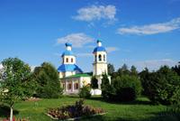 Церковь Святых Апостолов Петра и Павла в селе Ясенево, где 9 июля 1822 года венчались родители Л.Н. Толстого
