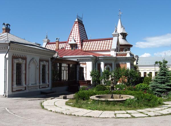 Здания и сооружения: Здание музея  - Дом  Клодта