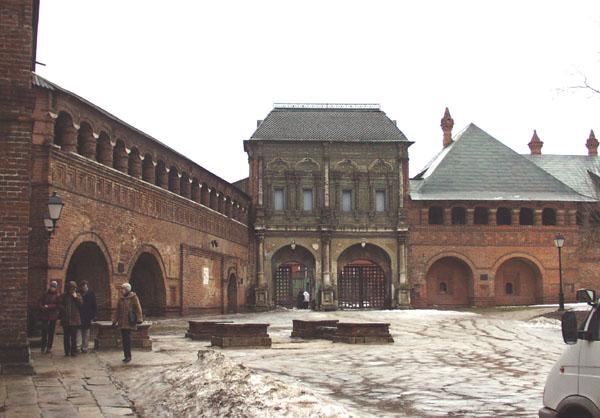 Здания и сооружения: Ансамбль Крутицкого подворья. Фото А.Лебедева