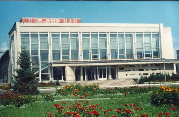 Здания и сооружения: Здание Дома культуры, где размещен районный краеведческий музей