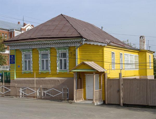 Здания и сооружения: Арский музей литературы и искусства