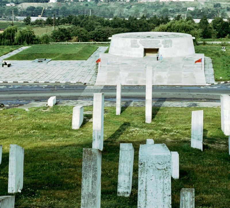 Здания и сооружения: Музей-памятник защитникам перевалов Кавказа в годы Великой Отечественной Войны