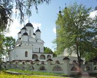 Церковь Преображения и звонница в усадьбе Вяземы. Фото А.Лебедева